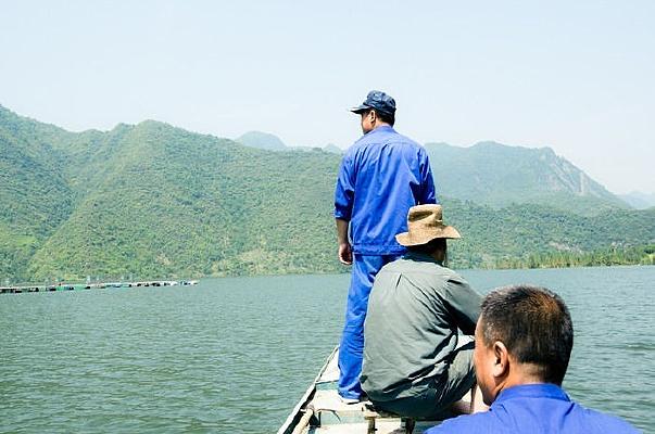 襄阳保康县马桥水库的钓鱼者