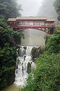 襄阳保康县五道峡景区的第一峡和天桥