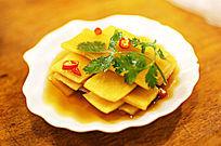 黄色萝卜中国菜