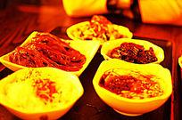 金黄色的一套中国菜