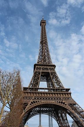 直插云霄的埃菲尔铁塔