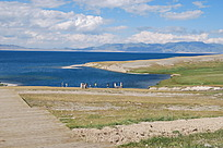 新疆蓝色湖泊