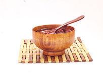 一个木碗汤药图片