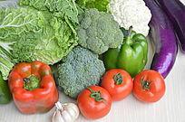 一堆摆拍蔬菜水果特写图片