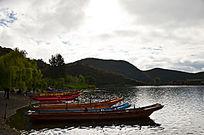 泸沽湖的水波纹