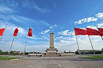 北京天安门广场人民英雄纪念碑红旗飘飘