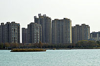 龙源湖畔生活区