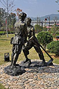 红色经典人物雕塑 侧拍
