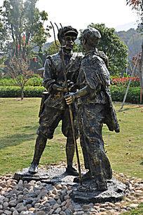 红色经典人物雕塑侧拍