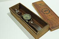 复古木头盒子手表