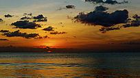 巴厘岛海洋日出海面