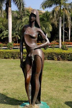 长发美女铜像