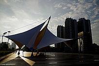 广场船帆造型的建筑
