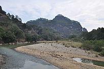 武夷山九曲溪裸露的河床