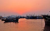 渔都海上日出红日泛金