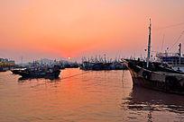 渔都海上日出金色太阳
