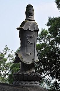 观音菩萨背面雕塑
