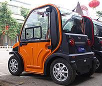 新能源电动四轮车