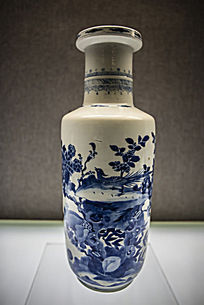 凤凰图案瓷瓶