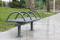 公共设施路边休息长凳子