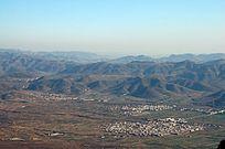 太行山盆地里的田野乡村