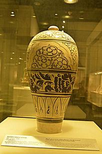 磁州窑白釉黑花瓷梅瓶