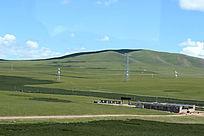 西藏蓝天白云草原山丘