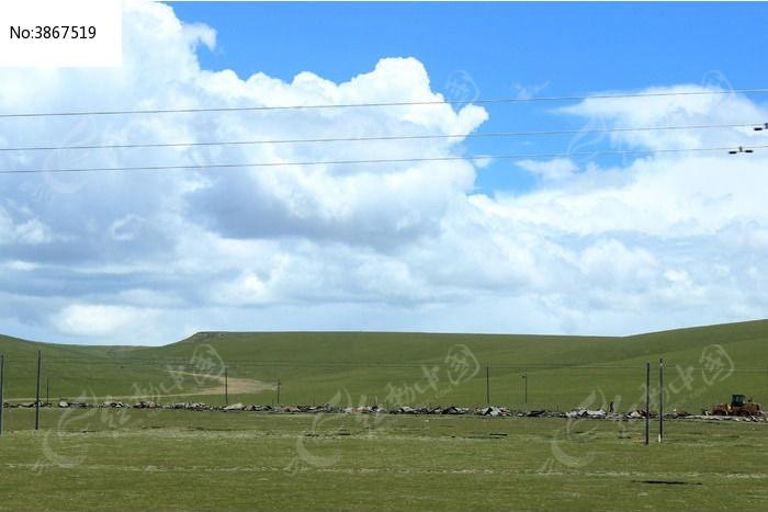 西藏蓝天白云大草原大气山川图片