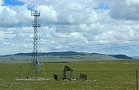 西藏蓝天白云大草原电杆