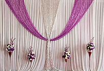 婚礼现场的鲜花与舞台