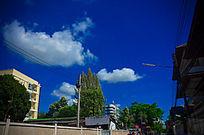蓝色的天空