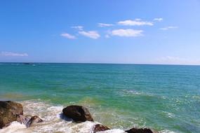 浩瀚的海洋与广阔的蓝天