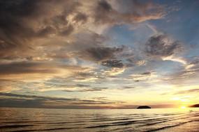 马来西亚亚庇丹绒亚路金色海滩