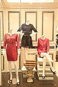 女装店橱窗