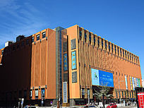 新燕莎金街购物广场