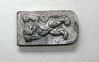 狮纹银带饰
