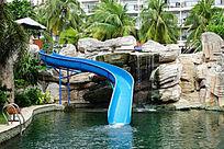 室外游泳池滑梯
