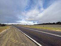 澳洲袋鼠岛农场上的公路美景