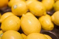 金黄色的柠檬