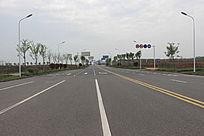 空旷的公路