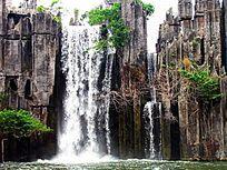 深圳民俗村的石林瀑布
