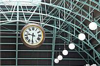 车站古董时钟