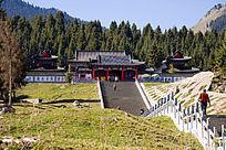 天山天池寺庙