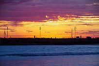朝霞下迷人的阿波罗港