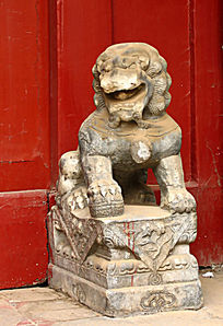 北京四合院门礅石狮子