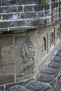 福胜寺塔基的神像