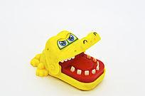 张嘴的卡通鳄鱼