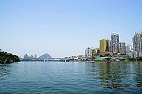 柳州柳江边的高层建筑图片