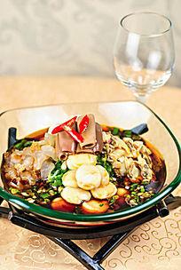 凉拌海鲜菜品照片
