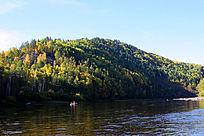 森林河秋季